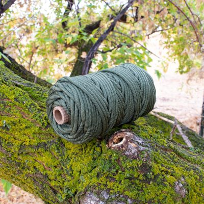 750-550-Paracord-Parachute-Cord-Camo-Green-200Ft-Tube-min